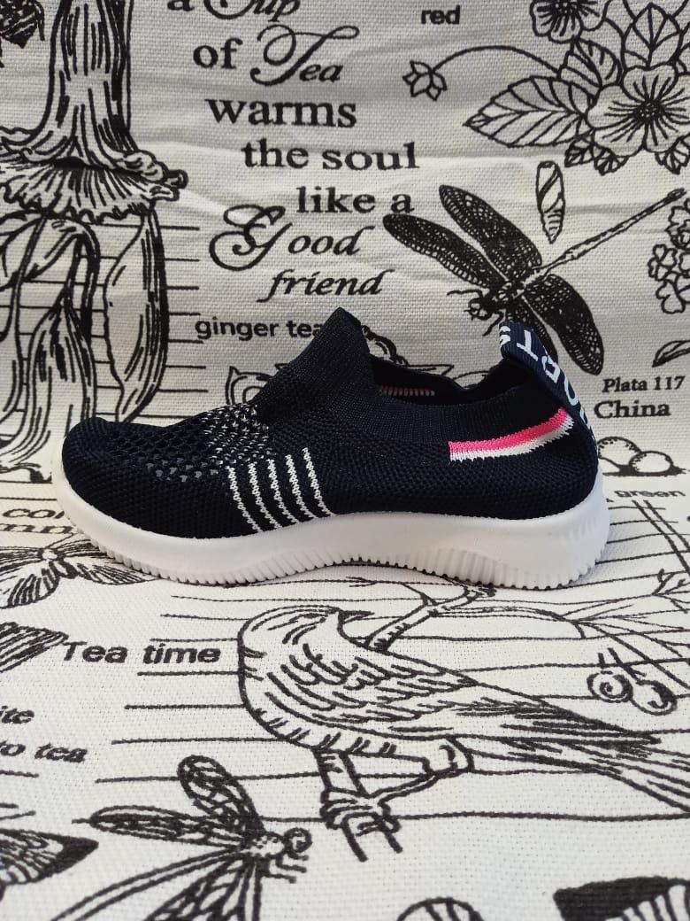 Детские кроссовки FEILI, цвет: черный, артикул: 536-3