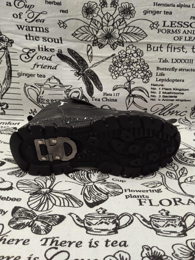 Детские кроссовки зимние АНТИГОЛОЛЕД КАПИТОШКА из натуральной кожи, цвет: черный, артикул: 11909-1