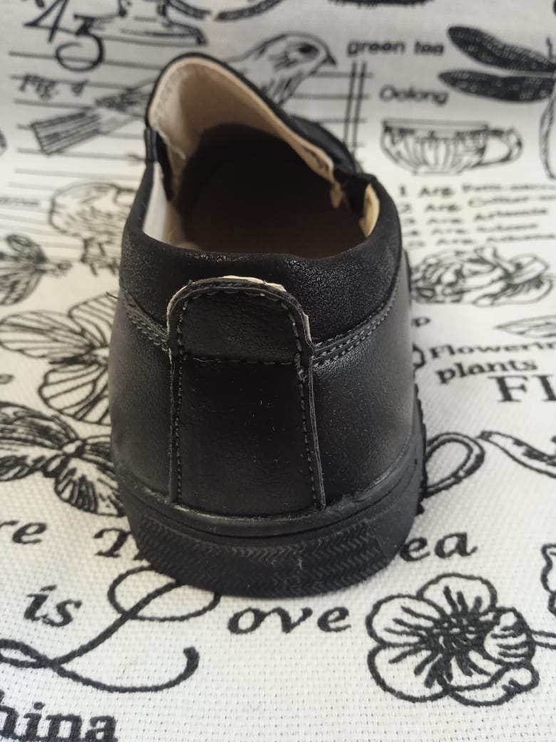Детские туфли школьные для мальчиков КАНАРЕЙКА, цвет: черный, артикул: KAN-1