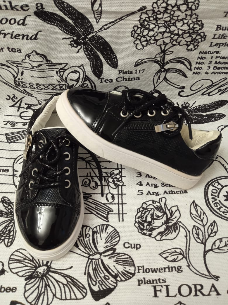 Детские кроссовки SISTER, цвет: черный, артикул: 8521-1