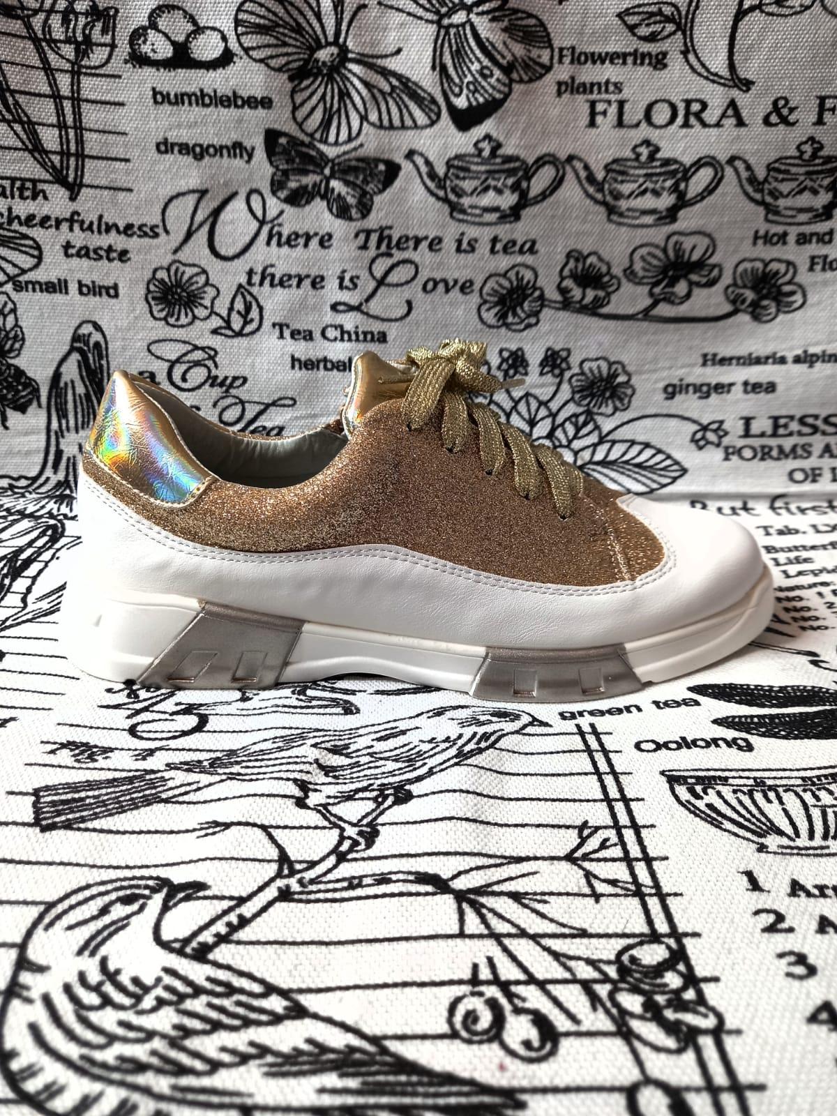 Детские кроссовки для девочек BESSKY, цвет: золотой, артикул: HF9384-4