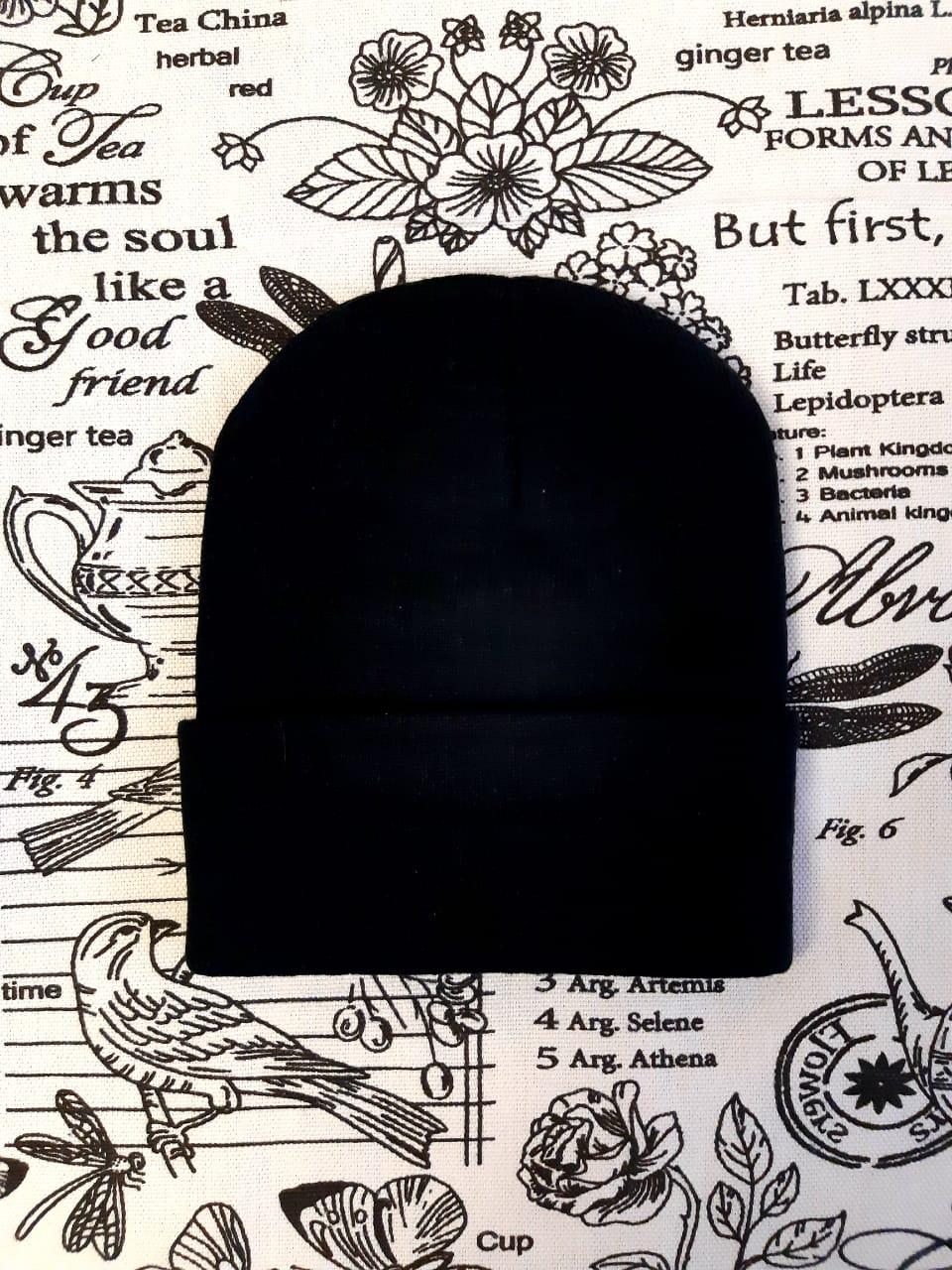 Детская шапка со стразами