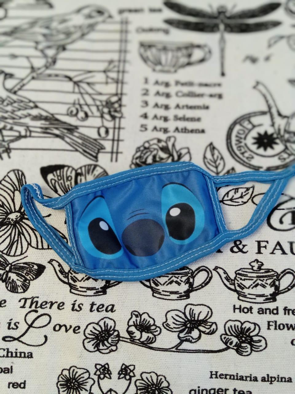 Детская маска защитная многоразовая с принтом Стич